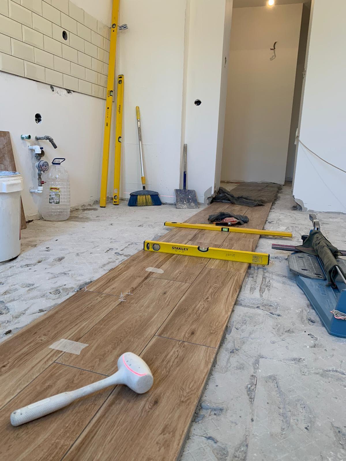 Firma de amenajari interioare sa aleg pentru renovarea apartamentului